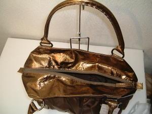 ナイロンクロコ型押しバッグ