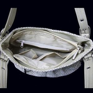 雑材ミニバッグ お出かけのお供に!機能も抜群。