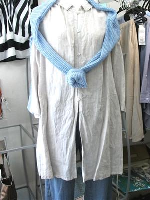 麻ロングシャツ+ニット×綿セーター